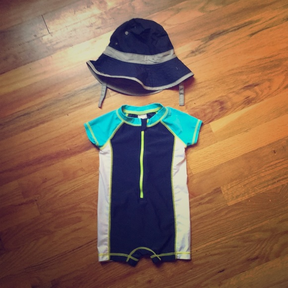 Other - ADORABLE Swim suit/ body suit and sun hat
